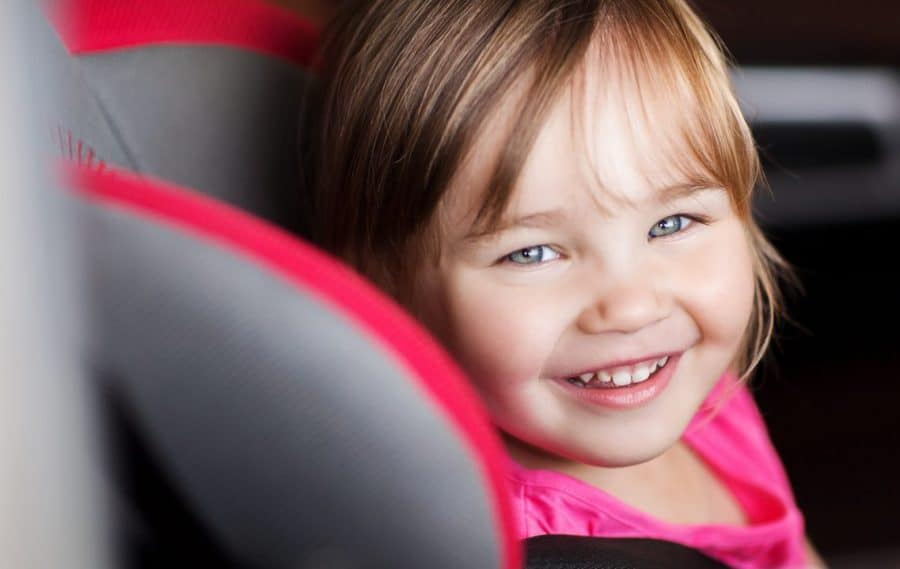 Cute_kid_In_carseat