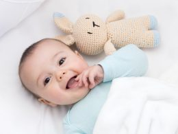 How to get a baby sleep in the bassinet Baby Won't Sleep in the Bassinet