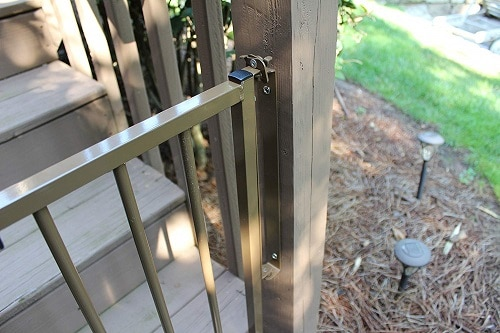 Cardinal-Gates-Outdoor-Safety-Gate-detail