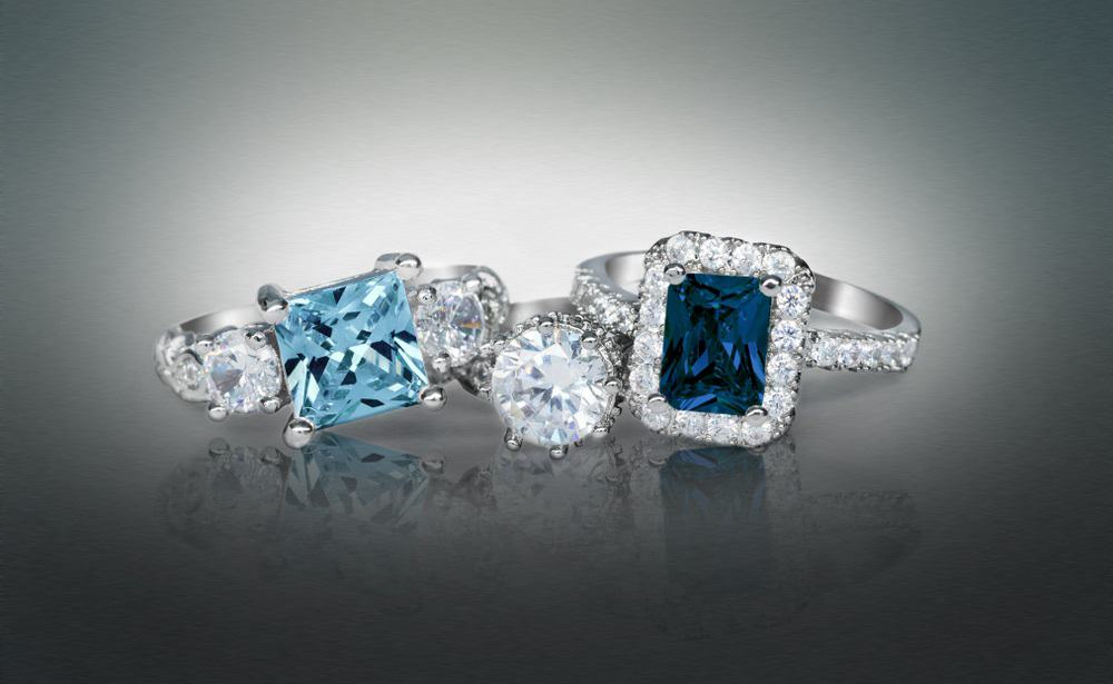 Cubic Zirconia Vs Diamond Vs Sapphire Vs Moissanite