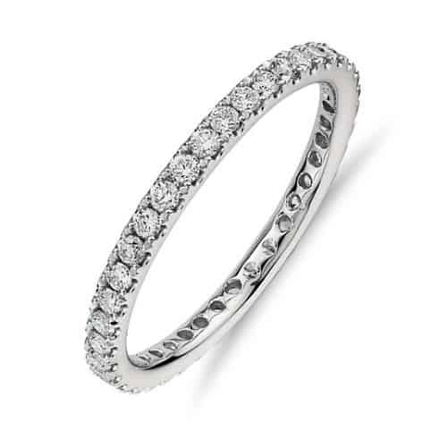 Pave settings eternity petite